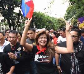 Gov. Imee Marcos with victory signed after the SC announcement yesterday infront of SC